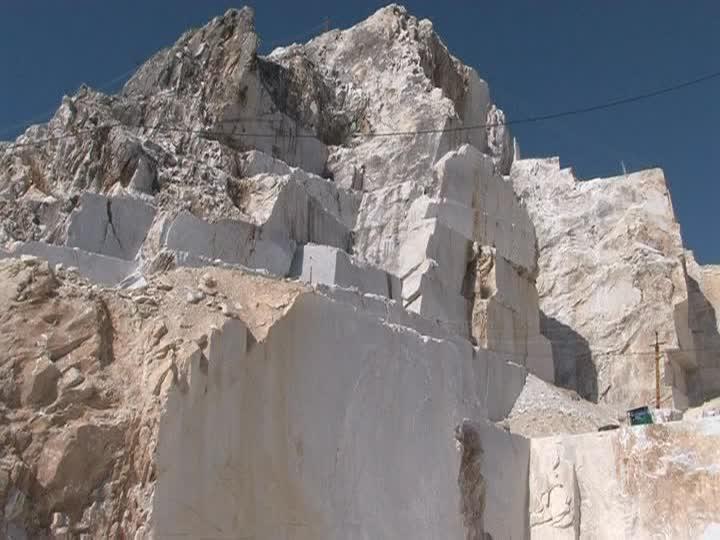 Kenya-marble-marble-quarry-boulder